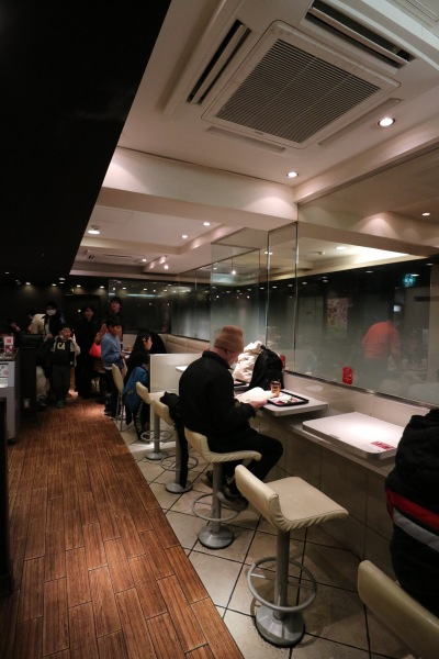 マクドナルド武蔵小杉店の2階