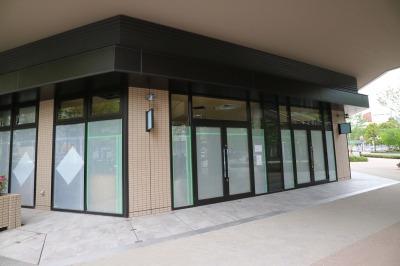 「COSUGI COMMONS」1階角地の「メチエ」出店予定地