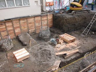 基礎工事中の現場