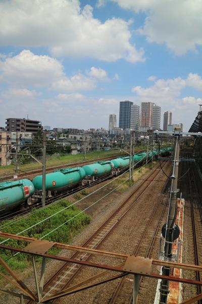 貨物列車の長い車列