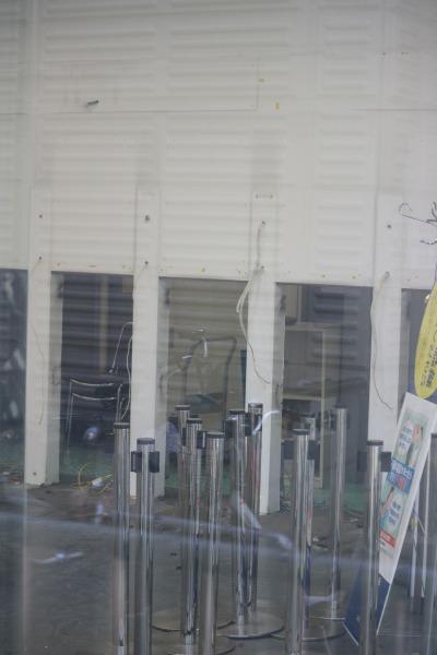 ATMの運び出された旧店舗