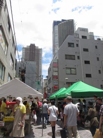イトーヨーカドー武蔵小杉店前のもちつき大会会場