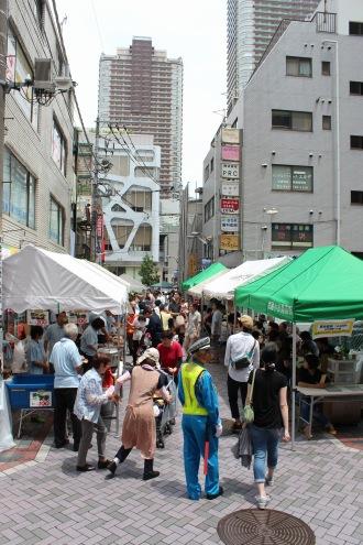武蔵小杉駅前商店街のもちつき大会