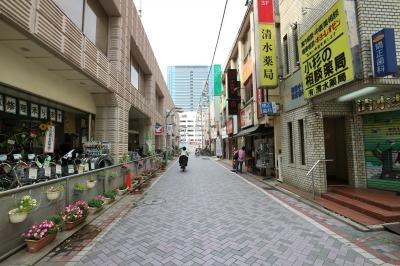 小杉てづくり市」が開催される武蔵小杉駅前通り商店街のスペース