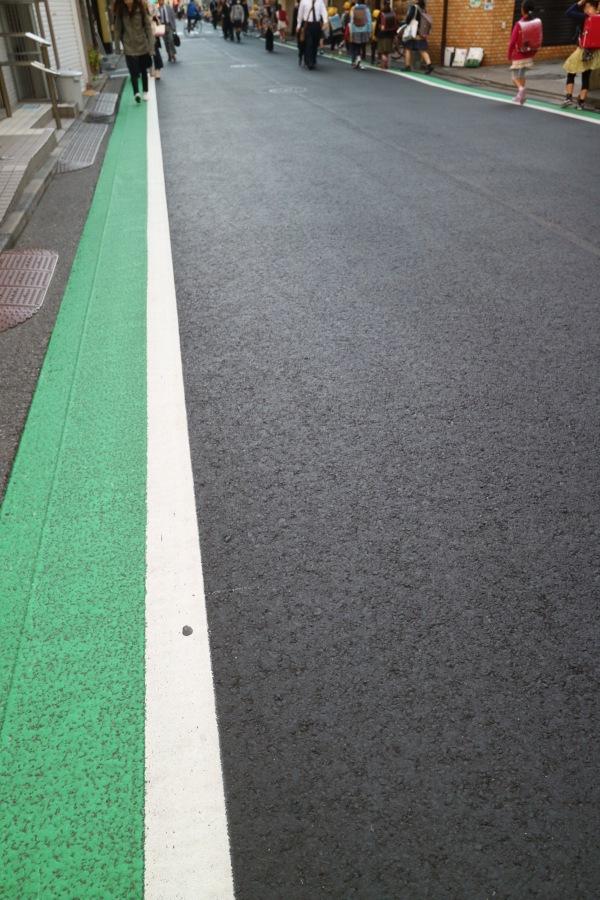 センターラインを抹消した道路