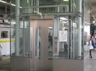 東急武蔵小杉駅のエレベーター