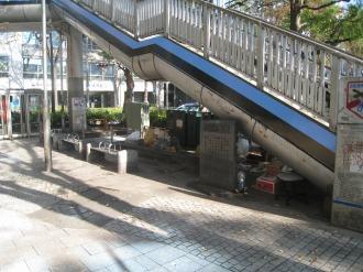 ロータリーの歩道橋