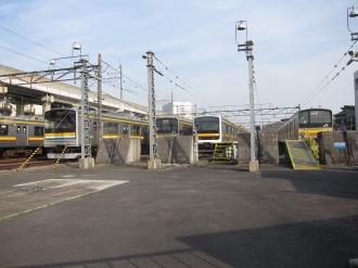 中原電車区に並ぶ車両