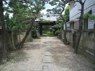 安藤家の長屋門