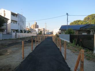 暫定的に設置された歩行者用通路