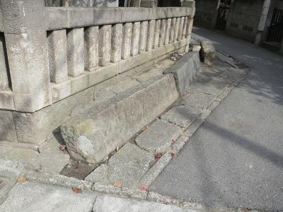 神明神社の「八百八橋」