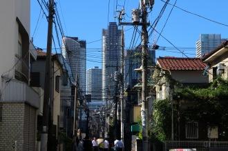 中原街道から見える武蔵小杉のタワーマンション