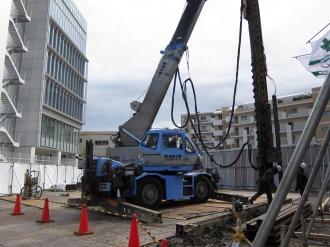 工事現場内の重機