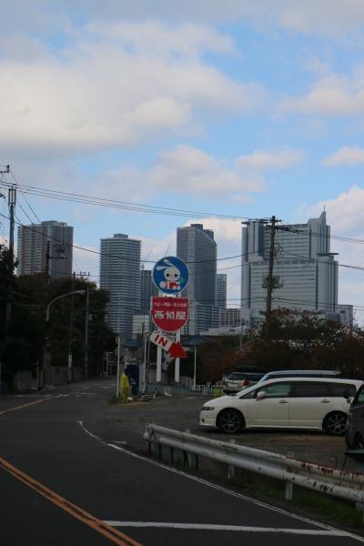 中丸子緑道終点の西松屋