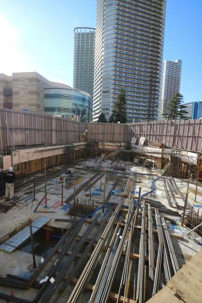 建設工事中のビル