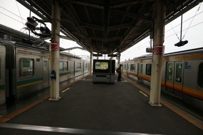 武蔵中原駅で南武線と並ぶ南武支線車両