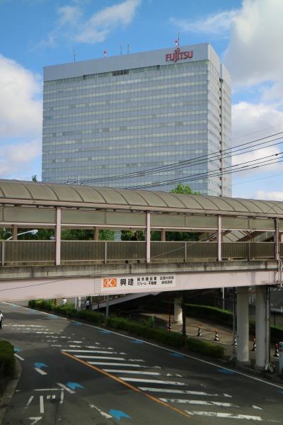 連絡通路と富士通川崎工場