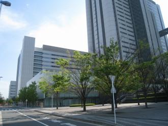 NEC玉川ルネッサンスシティのホール棟(写真中央の低層部)