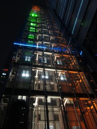 エレベーターの光