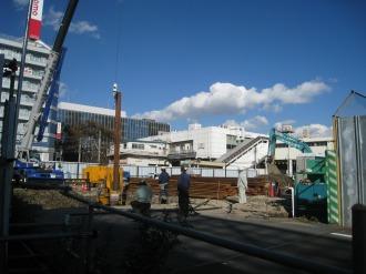 こすぎFROM跡地の掘削作業
