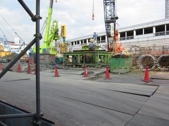 再開発ビル建設が進む西街区