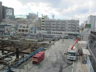 建物北側と都市計画道路