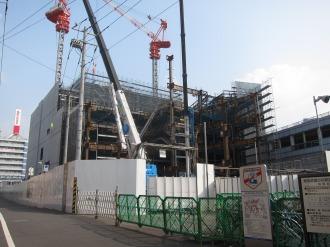 建設が進む西街区の再開発ビル(エクラスタワー武蔵小杉)