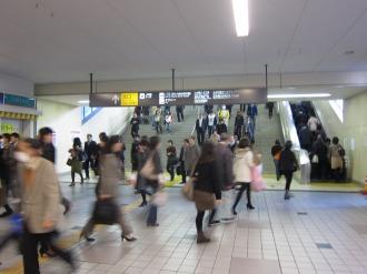 東急武蔵小杉駅とJR武蔵小杉駅の連絡通路