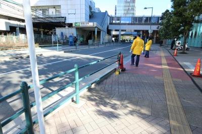 武蔵小杉東急スクエア北側の従来からのガードパイプ設置区間