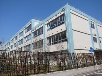西中原中学校の新校舎