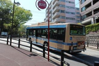 桜木町駅前からの横浜市営バス89系統「一本松小学校行き」