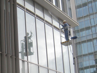 ジェット水流での窓掃除