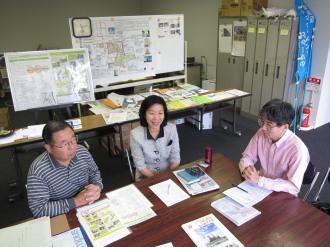 右から森副理事長、萩原理事、村山専務理事