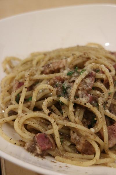 マッシュルームペーストとパンチェッタのスパゲティ