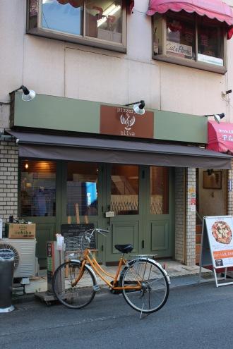 「シュクル」跡地の「pizzeria oliva」