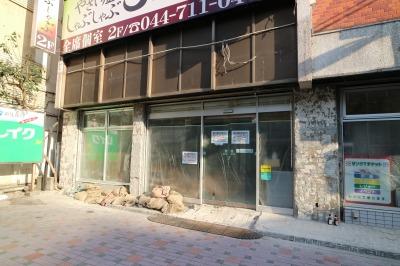 「大戸屋」向かい側で閉店した「サンクス」跡地