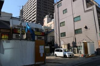 東急武蔵小杉駅南口の既存ビルと「CLUB SQUARE」跡地