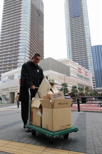 武蔵小杉駅東口駅前広場を通過