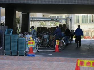駐輪場および駐車場