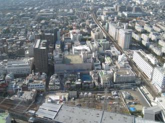 東急武蔵小杉駅ビルと西街区再開発ビル予定地