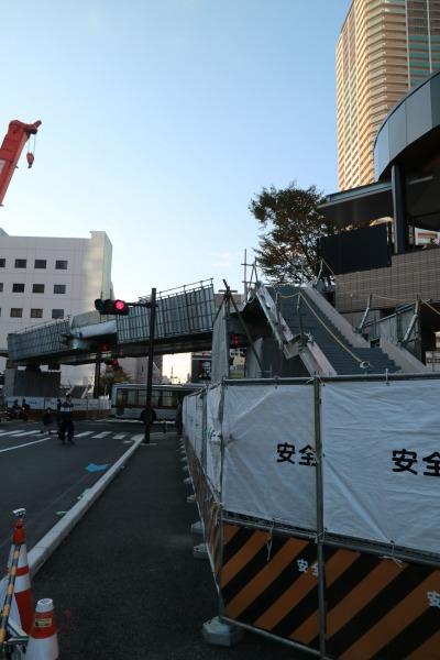 「パークシティ武蔵小杉」側の階段