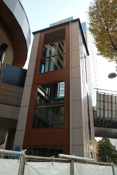 「パークシティ武蔵小杉 ザ ガーデン」側のエレベーター