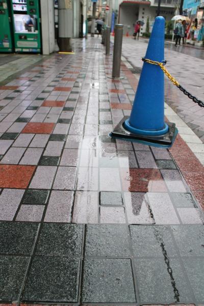 吉野家前の歩道