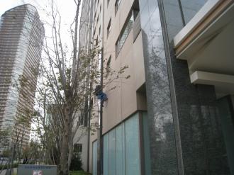 レジデンス・ザ・武蔵小杉の窓掃除(西側)