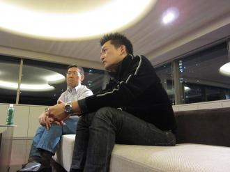 豊田さん(右)と保崎さん(左)