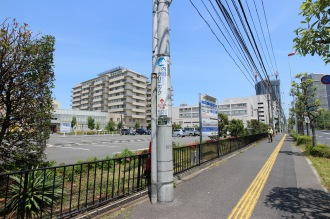 綱島街道沿いの関東労災病院