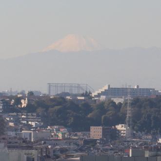 屋上ヘリポートから見えた富士山