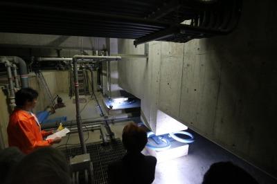 地下免震構造の見学