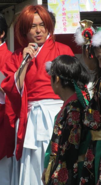 「コスギフェスタ2012」山中座長による小杉ダンスチーム勧誘