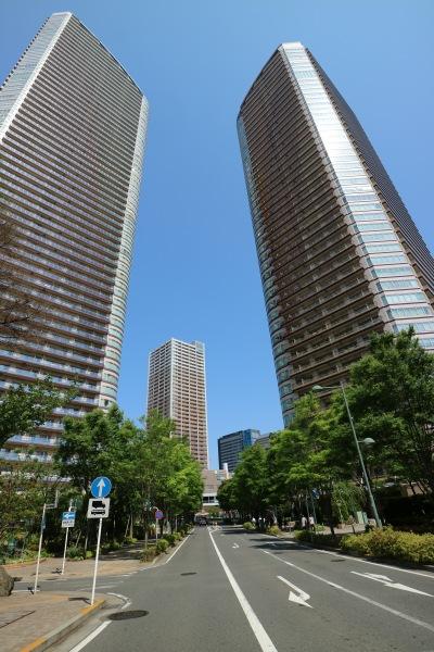 パークシティ武蔵小杉ステーションフォレストタワー(右)